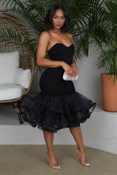 Tulle Midi Dress (Black) Tulle Midi Dress (Black) Source by . Read more The post Tulle Midi Dress (Black) appeared first on How To Be Trendy. Classy Dress, Classy Outfits, Chic Outfits, Fashion Outfits, Dress Fashion, Woman Outfits, Dress Outfits, Modest Fashion, Fashion Ideas