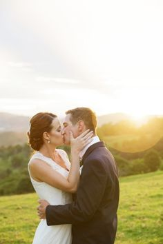Sweet kisses: http://www.stylemepretty.com/australia-weddings/queensland-au/2015/05/26/rustic-elegant-australian-wedding/ | Photography: Jennifer Oliphant - http://www.jenniferoliphant.com/
