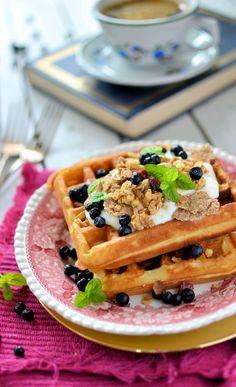 Breakfast waffles with muesli | #ParksandRec