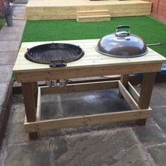 DIY Barbecue Preparation Table The most beautiful picture for home decor minimalist , that suits your pleasure Sie suchen etwas und haben nicht das be Grill Diy, Built In Bbq Grill, Bbq Diy, Table Grill, Grill Cart, Webber Grill Table, Outdoor Oven, Outdoor Cooking, Barbecue Original
