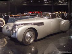 Saoutchik crafted the body on a modified Hispano-Suiza H6B chassis. source