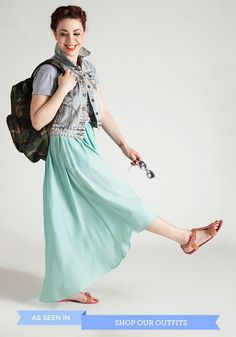ModStylist tip: Stay comfy on your next trip by pairing a maxi with flat sandals. Add a roomy bag to pack all the essentials!