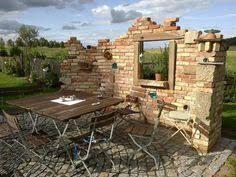 Bildergebnis für ruinenmauer aus alten abbruchziegeln | garden ...