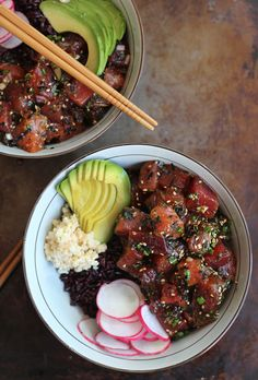 A traditional poke recipe like this Ahi Poke Bowl is a simple, pared down, virtually no-cook meal. Fans of sushi, this is what you need to make at home! | Honestly Yum