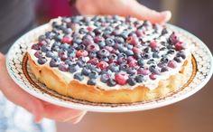 Lækker blåbærtærte med marcipan og flødeostecreme