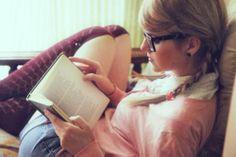 I love the braids, glasses, and stripey knee-socks:) Book Girl, Knee Socks, Braids, Cozy, Style Inspiration, Glasses, Reading, Books, Beauty