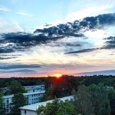Sonnenuntergang gestern Abend Jetzt wird gebloggt und vielleicht schaffe ichhellip