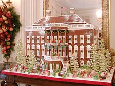 This White House Gingerbread House is so creative and fun - who could bear to eat it? EuroLuxAntiques.com