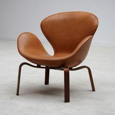 Swan Chair | Arne Jacobsen | Mid Century Modern