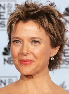 Perfectly Different Messy Hairstyles - Trend Frisuren 🦱 Haircut Styles For Women, Short Haircut Styles, Short Hair Cuts For Women, Short Hairstyles For Women, Messy Short Hairstyles, Short Styles, Hairstyles Over 50, Pixie Hairstyles, Cool Hairstyles