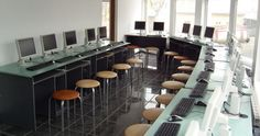 atestate soferi www.scoaladesoferisv.ro/atestate/ Conference Room, Table, Furniture, Home Decor, Homemade Home Decor, Meeting Rooms, Mesas, Home Furnishings, Desk