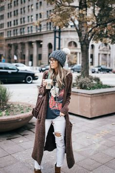 35 Adorable Fall Bohemian Style Ideas, Boho style is a superb deal of fun. My private style varies. The boho-chic style is about the option of the decoration. If you adore a tiny retro styl. Looks Street Style, Looks Style, Looks Cool, Street Style 2017, Street Styles, Cardigan Outfits, Boho Outfits, Long Cardigan, Fashion Outfits