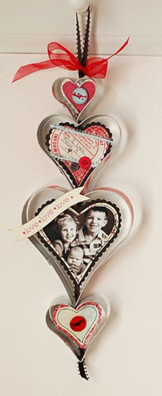 I ADORE this craft!  Wonder if it would look cute with some cheap dollar tree cookie cutters?