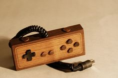 Wooden NES Controller by Love Hulten