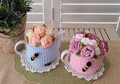 Rose Garden Bouquet Tea Cosy Crochet pattern by T-Bee Cosy Basic Crochet Stitches, Crochet Basics, Crochet Patterns, Scarf Patterns, Crochet Granny, Tea Cosy Pattern, Christmas Knitting Patterns, Tea Cozy, Arm Knitting