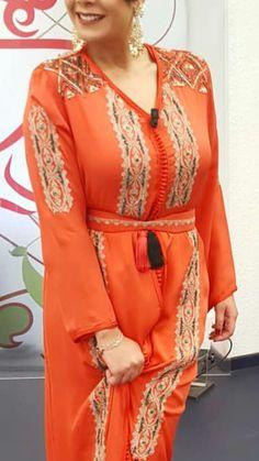 Très jolis Boho Fashion, Fashion Outfits, Womens Fashion, Fashion Tips, Moroccan Caftan, Modest Wear, Caftan Dress, Modern Outfits, Indian Designer Wear