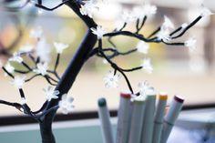 Detalhe luminária arvore flor de luz Imaginarium. #luminaria #arvore #flores #tecido #iluminaçao #decor #decoraçao #inspiraçao #cute #fun #imaginarium #sigaimaginarium #detalhe