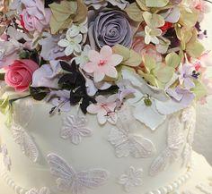 Sugar flower details by elizabethscakeemporium, via Flickr