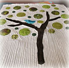 tree quilt/polka dots! <3 the simple quilting
