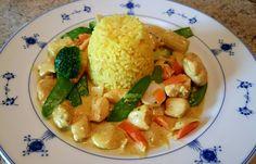 Kyllinggryte med orientalske smaker 4 kyllingfileter Ris etter ønske feks 4 dl tørr ris...
