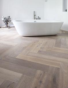 Visgraat parket/ white wash Oldhuys vloeren