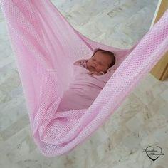 Babywiege mit Motor und Babyhängematte