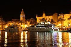 Przystań w Trogirze || http://crolove.pl/trogir-portowe-miasto-zachwycajaca-starowka/ || #Trogir #Croatia #Chorwacja #Hrvatska
