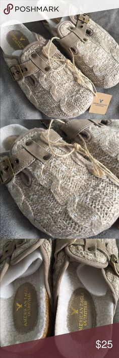 American Eagle W knit clogs Brand new Woman's Knit clogs from American Eagle Outfitters in size 6. This is perfect for the Fall and Winter 🍂🍂☃️☃️ American Eagle Outfitters Shoes Mules & Clogs