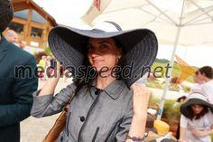 Gordana Kisilak, direktorica korporativnega komuniciranja BMW Group Slovenija Lady, Fashion, Moda, Fashion Styles, Fashion Illustrations