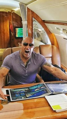 I Love you Dwayne Johnson Rock Johnson, Dwayne Johnson, Chocolate Men, Dwayne The Rock, Sexy Men, Universe, Beautiful, Man Candy Monday, Cosmos