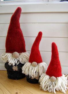 Christmas Knomes, Christmas Art, Christmas Treats, Christmas Holidays, Christmas Decorations, Christmas Ornaments, Barn Wood Projects, Holiday Crafts, Holiday Decor