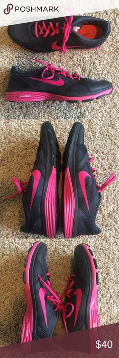 Nike Women's Dual Fusion TR Training Shoe 10 This pair of women's Nike Dual Fusion TR shoes is pre-loved in great condition! Only worn a handful of times.  Feel free to ask any questions or make an offer if you're interested!  Nike Shoes Athletic Shoes