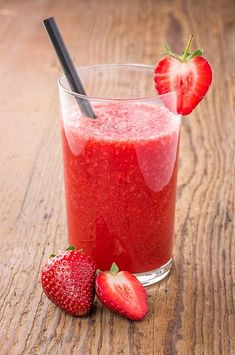 The 'Beautiful Skin' smoothie. For me : Without yogurt and wheat. Plus quinoa flakes. Smoothie Drinks, Healthy Smoothies, Healthy Drinks, Smoothie Recipes, Healthy Snacks, Fun Drinks, Yummy Drinks, Beverages, Yummy Treats