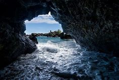 Sea Cave at Waianapanapa State Park