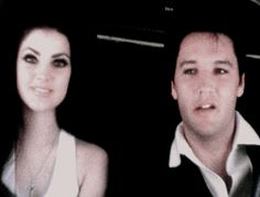 Elvis and Priscilla Presley aboard Frank Sinatra's learjet, Christina, headed back to Palm Springs, CA, May Night Before Wedding, Young Elvis, Vintage Beauty, Vintage Style, Elvis And Priscilla, John Lennon Beatles, Elvis Presley Photos, Buddy Holly, Chuck Berry