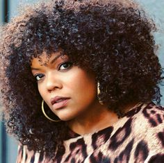 Yvette Nicole Brown Long Curly Hair, Curly Hair Styles, Natural Hair Styles, Black Girl Makeup, Girls Makeup, Black Girls, Black Women, We Run The World, Yvette Nicole Brown