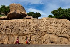 School kids, Mahabalipuram by Marji Lang, via Flickr
