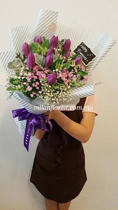 Everytime I Think Of You, I Hug You In My Heart... #Tulip,#郁金香,#米兰,#花束, #Flower,#MilanStyle #milanflorist,#MFMA 米兰花屋 Milan Florist Mount Austin Tel:016-7677027/016-7704487 www.milanflorist.com.my