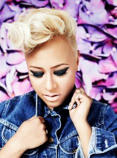 Emeli Sande - Beautiful inside & out. Born on May Sunderland, UK Short Relaxed Hairstyles, Cool Hairstyles, Blonde Beauty, Hair Beauty, Blonde Makeup, Makeup Lips, Short Hair Cuts, Short Hair Styles, Mohawk Styles