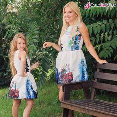 set rochii mama fiica asortate - imprimeu chitara Lily Pulitzer, Summer Dresses, Fashion, Moda, Summer Sundresses, Fashion Styles, Fashion Illustrations, Summer Clothing, Summertime Outfits