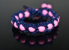 How-to-make-a-friendship-bracelet-with-beads(1).jpg