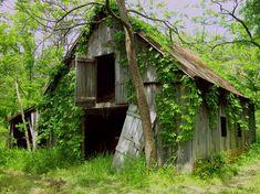 Abandoned Barn by ~MlleKohaku on deviantART / Scott County, IN Old Buildings, Abandoned Buildings, Abandoned Places, Barn Pictures, Country Barns, Country Living, Barns Sheds, Old Farm, Country Scenes