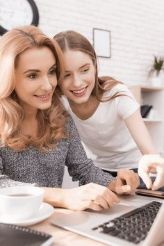 How to Start a Side Hustle: An Ultimate Guide for Moms Extra Cash, Extra Money, How To Start A Blog, How To Make Money, Be Your Own Boss, Work From Home Moms, Virtual Assistant, Hustle, Goal