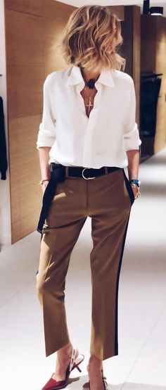 Pantalon marron+ chemisier blanc+ceinture noire+chaines Mode Automne 2018,  Mode Décontractée, 04b7f1731db