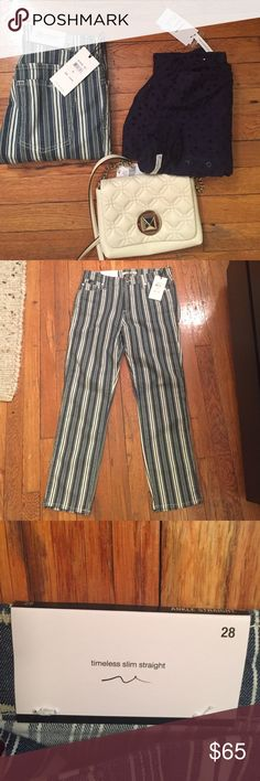 """NWT Seven for All Mankind STRAIGHT INDIGO STRIPE Universally flattering cropped slim straight leg Featuring variegated stripes, this print is a twist on the classic staple A sophisticated, feminine, and fun summer look Front Rise: 7 ½"""" Back Rise: 12"""" Inseam: 26"""" Leg Opening: 13"""" 7 For All Mankind Jeans Ankle & Cropped"""