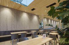 #Cafe #Eiszeit #Attersee #E15 #This #Anthrazit #Massivholz #Alias #Bigframe #interiordesign #createidentity #area