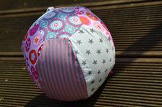 GagaYa: Luftballonhülle.