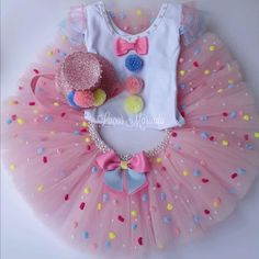 Até 3 anos a partir informar vendedor Kit conté. Candy Costumes, Tutu Costumes, Baby Girl 1st Birthday, Circus Birthday, Baby Girl Dress Patterns, Baby Dress, Outfits Niños, Kids Outfits, Tutu Diy