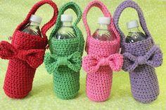 Crochet Cup Cozy, Crochet Pillow, Cute Crochet, Knit Crochet, Crochet Organizer, Woolen Craft, Crochet Baby Toys, Crochet Market Bag, Bottle Bag