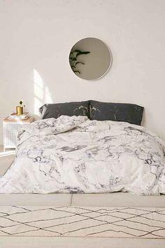 housse de couette et taies d 39 oreillers imprim marbr decor home pinterest awesome stuff. Black Bedroom Furniture Sets. Home Design Ideas